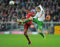 FUSSBALL   1. BUNDESLIGA  SAISON 2011/2012   15. Spieltag   03.12.2011 FC Bayern Muenchen - SV Werder Bremen        Marko Marin (re, SV Werder Bremen)  gegen Luiz Gustavo (FC Bayern Muenchen)