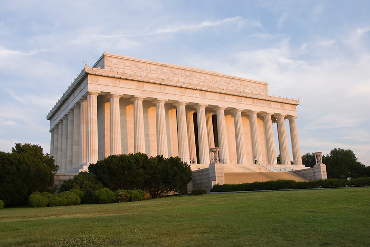 Washington DC; USA: The Lincoln Memorial, Monument to President Abraham Lincoln, on the National Mall.Photo copyright Lee Foster Photo # 4-washdc82627