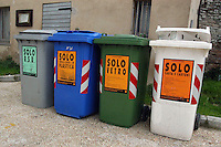 Containers of waste sorting for separate different elements..Contenitori per la raccolta differenziata dei rifiuti.....