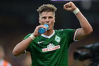 FUSSBALL   1. BUNDESLIGA   SAISON 2013/2014   1. SPIELTAG Eintracht Braunschweig - Werder Bremen             10.08.2013 Sebastian Proedl (SV Werder Bremen) jubelt nach dem Abpfiff