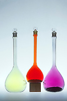 HALOGENS<br /> Chlorine, Bromine and Iodine in Volumetric Flasks.<br /> Bromine (Br2) is a reddish brown liquid that readily forms vapor of the same color. Chlorine (Cl2) is a greenish yellow gas at room temperature. Iodine (I2) -a grayish black solid that readily sublimes to form violet vapor.