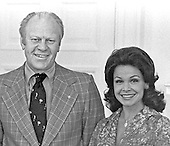 United States President Gerald R. Ford with Annette Funicello (Mrs. Jack Gilardi) in the Cabinet Room at the White House in Washington, D.C. on July 3, 1976. <br /> Mandatory Credit: David Hume Kennerly / White House via CNP