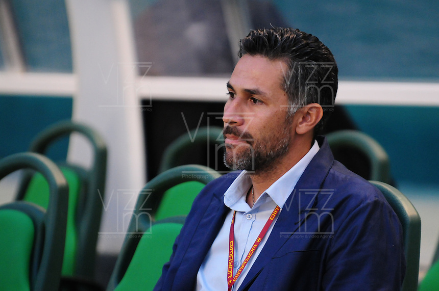 CALI - COLOMBIA -02-06-2016: Mario A Yepes, técnico de Deportivo Cali, durante partido de ida de los cuartos de final entre Deportivo Cali y Deportivo Independiente Medellin, por la Liga Aguila I-2016, jugado en el estadio Deportivo Cali (Palmaseca)  de la ciudad de Cali. / Mario A Yepes, coach of Deportivo Cali, photo during a match for the first leg of the quarter of finals between Deportivo Cali and Deportivo Independiente Medellin for the Liga Aguila I-2016 at the Deportivo Cali (Palmaseca) stadium in Cali city. Photo: VizzorImage  / Nelson Rios / Cont