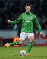 FUSSBALL   1. BUNDESLIGA   SAISON 2011/2012   21. SPIELTAG Werder Bremen - 1899 Hoffenheim                        11.02.2012 Francois Affolter (SV Werder Bremen) Einzelaktion am Ball