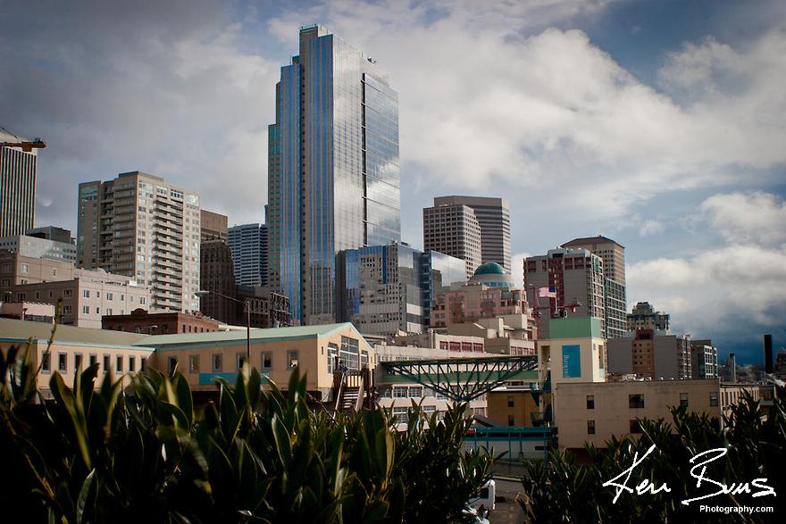 SEATTLE CITYSCAPE. Victor Steinbrueck