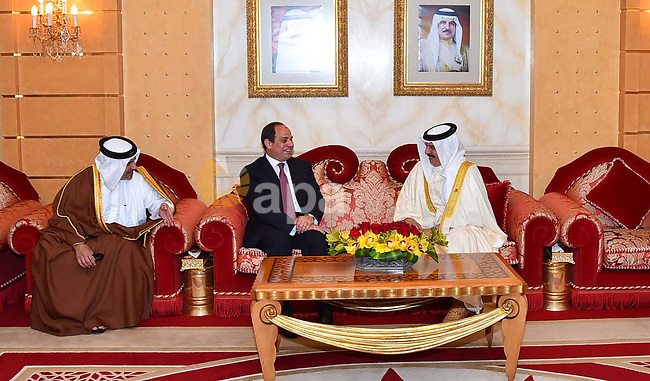 Egyptian President Abdel Fattah al-Sisi sits next to Bahrain's King Hamad bin Isa Al Khalifa before he leaves Bahrain on May 09, 2017. Photo by Egyptian President Office