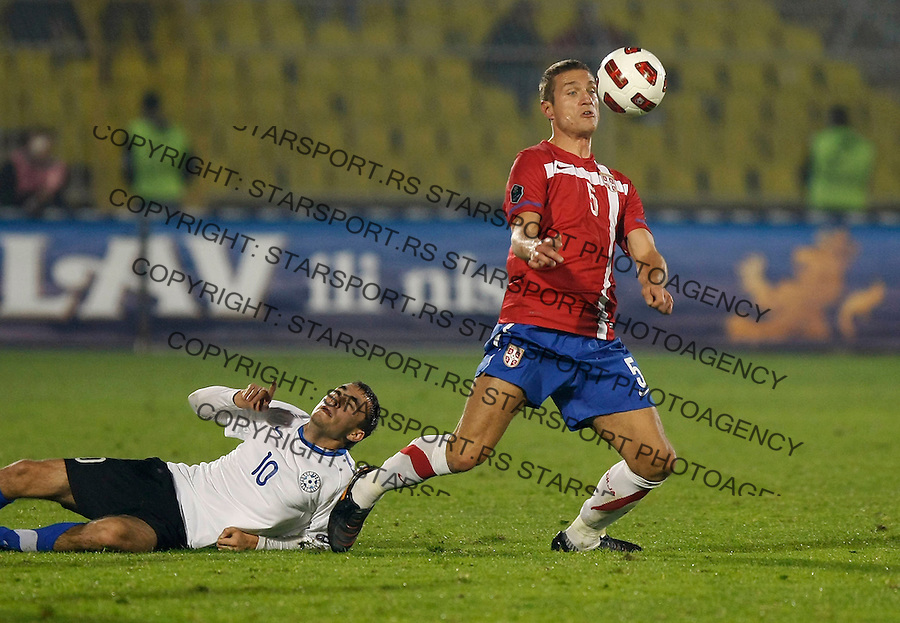 Fudbal, Qualifications for UEFA EURO 2012.Serbia Vs. Estonia.Nemanja Vidic, right and Sergei Zenjov.Belgrade, 08.10.2010..foto: Srdjan Stevanovic/Starsportphoto ©