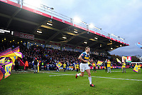 Nick Evans of Harlequins runs out onto the pitch on the occasion of his 200th appearance for the club. Aviva Premiership match, between Harlequins and Bath Rugby on November 27, 2016 at the Twickenham Stoop in London, England. Photo by: Patrick Khachfe / Onside Images