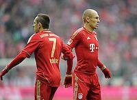 FUSSBALL   1. BUNDESLIGA  SAISON 2011/2012   23. Spieltag  26.02.2012 FC Bayern Muenchen - FC Schalke 04        Hand in Hand; Franck Ribery (li, FC Bayern Muenchen) und Arjen Robben (FC Bayern Muenchen)