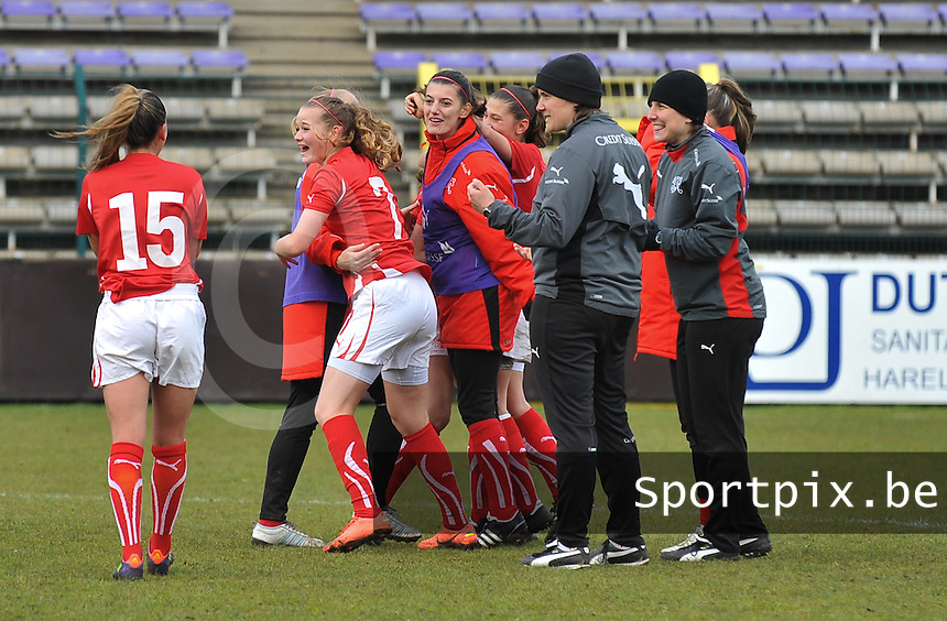 UEFA Women's Under 17 Championship - Second Qualifying round - group 1 : England - Switzerland : .vreugde na het fluitsignaal bij Zwitserland.foto DAVID CATRY / Vrouwenteam.be
