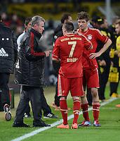 FUSSBALL   1. BUNDESLIGA   SAISON 2011/2012   30. SPIELTAG Borussia Dortmund - FC Bayern Muenchen            11.04.2012 Trainer Jupp Heynckes gibt Franck Ribery (li) und Thomas Mueller (re, alle FC Bayern Muenchen) Anweisungen