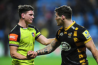 Freddie Burns of Leicester Tigers speaks with Guy Thompson of Wasps after the match. Aviva Premiership match, between Wasps and Leicester Tigers on January 8, 2017 at the Ricoh Arena in Coventry, England. Photo by: Patrick Khachfe / JMP