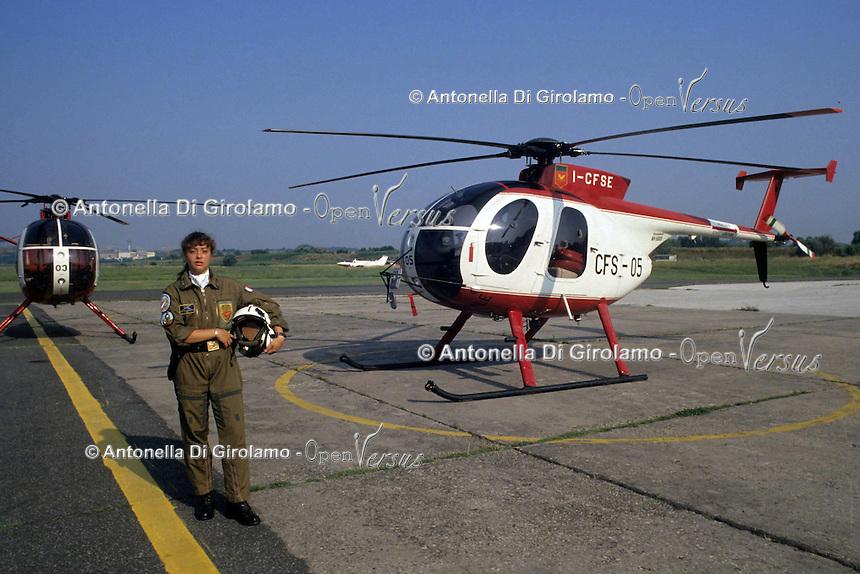 Evelina Corneli. La prima elicotterista donna del Corpo Forestale..Evelina Corneli. The first woman, helicopter pilot in the Forestry Department. ...