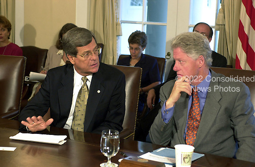 United States President Bill Clinton, right, listens to U.S. Senate Majority Leader Trent Lott (Republican of Mississippi), left, during a meeting with the Bipartisan Congressional Leadership in the Cabinet Room at the White House in Washington, D.C. on September 12, 2000..Credit: Ron Sachs / CNP