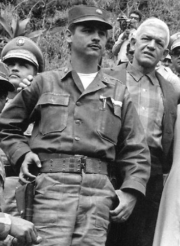 Coronel Rafael Fernández  Domínguez y Juan Bosch en 1965.