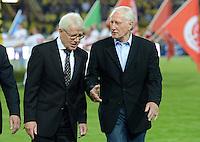 FUSSBALL   1. BUNDESLIGA   SAISON 2012/2013   1. SPIELTAG Borussia Dortmund - SV Werder Bremen                  24.08.2012      Reinhard Rauball (li, Liga-Praesident) und Hans Tilkowski (re)