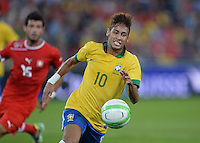FUSSBALL  INTERNATIONAL  Testspiel Schweiz - Brasilien    14.08.2013 NEYMAR (Brasilien) mit Ball