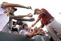 12 August 08: D'backs 3rd baseman Mark Reynolds signs autographs for fans prior to a game between the Arizona Diamondbacks and the Colorado Rockies at Coors Field in Denver, Colorado. FOR EDITORIAL USE ONLY. FOR EDITORIAL USE ONLY