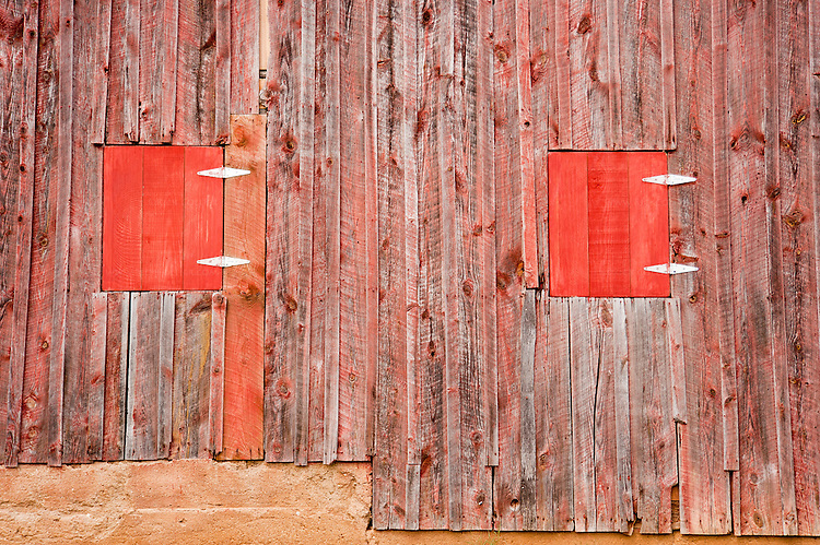 The side of the old barn on the ground of Hume Vineyards.