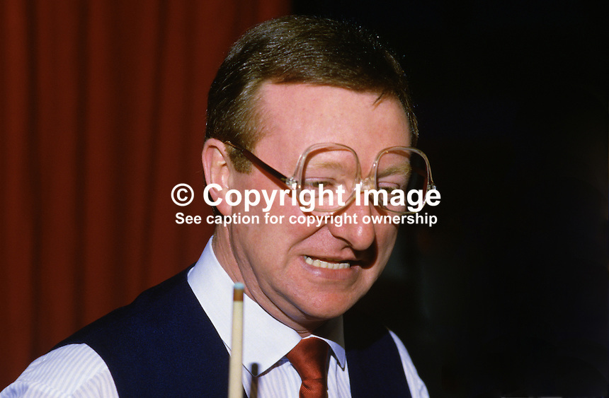 Dennis Taylor, N Ireland, professional snooker player, Irish Masters, Goffs, Rep of Ireland, 198503000032d..Copyright Image from Victor Patterson, 54 Dorchester Park, Belfast, UK, BT9 6RJ..Tel: +44 28 9066 1296.Mob: +44 7802 353836.Voicemail +44 20 8816 7153.Skype: victorpattersonbelfast.Email: victorpatterson@mac.com.Email: victorpatterson@ireland.com (back-up)..IMPORTANT: If you wish to use this image or any other of my images please go to www.victorpatterson.com and click on the Terms & Conditions. Then contact me by email or phone with the reference number(s) of the image(s) concerned.