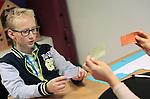 Foto: VidiPhoto<br /> <br /> ELST - Marwim Schultz uit Opheusden krijgt stottertherapie van een speciale therapeut in het Gelderse Elst.