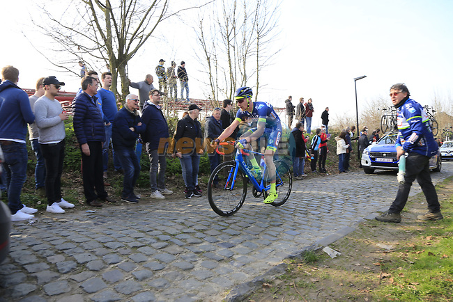 Riders climb Oude Kwaremont during the 60th edition of the Record Bank E3 Harelbeke 2017, Flanders, Belgium. 24th March 2017.<br /> Picture: Eoin Clarke | Cyclefile<br /> <br /> <br /> All photos usage must carry mandatory copyright credit (&copy; Cyclefile | Eoin Clarke)