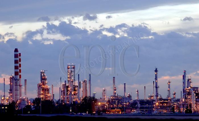 Petro Canada's Edmonton Refinery at sunset on Saturday September 3, 2005. John Ulan