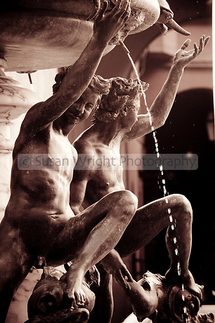 Fontana delle Tartarughe, fountain of the late Italian Renaissance, in Piazza Mattei, Rioni Sant' Angelo, Rome, Italy Fontana delle Tartarughe or the Turtle fountain, Piazza Mattei, in the Jewish Ghetto, Rome, Italy