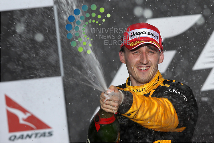 F1 GP of Australia, Melbourne 26. - 28. March 2010.Podium - Robert Kubica (POL), Renault F1 Team ..Hasan Bratic;Koblenzerstr.3;56412 Nentershausen;Tel.:0172-2733357;.hb-press-agency@t-online.de;http://www.uptodate-bildagentur.de;.Veroeffentlichung gem. AGB - Stand 09.2006; Foto ist Honorarpflichtig zzgl. 7% Ust.;Hasan Bratic,Koblenzerstr.3,Postfach 1117,56412 Nentershausen; Steuer-Nr.: 30 807 6032 6;Finanzamt Montabaur;  Nassauische Sparkasse Nentershausen; Konto 828017896, BLZ 510 500 15;SWIFT-BIC: NASS DE 55;IBAN: DE69 5105 0015 0828 0178 96; Belegexemplar erforderlich!..