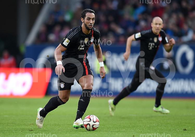 Fussball  1. Bundesliga  Saison 2014/2015  15. Spieltag  FC Augsburg - FC Bayern Muenchen     13.12.2014 Medhi Benatia (FC Bayern Muenchen) am Ball