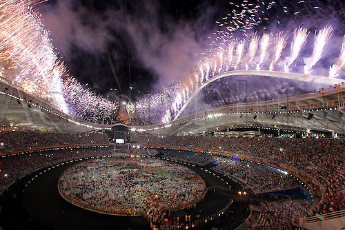 13.08.2004: Athens, Greece.  Fireworks set off around the roof of the Olympic Stadium at the Opening Ceremony  of the Olympic Games. Athens, Greece