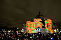 Mexico City, November 10, 2013. People gathered at the Palace of Fine Arts in Mexico City, to witness the first International Festival of Lights Mexico 2013.  VIEWpress/Miguel Angel Pantaleon