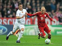 FUSSBALL   CHAMPIONS LEAGUE   SAISON 2011/2012   ACHTELFINALE RUECKSPIEL     13.03.2012 FC Bayern Muenchen - FC Basel        Granit Xhaka (li, FC Basel) gegen Arjen Robben (FC Bayern Muenchen)