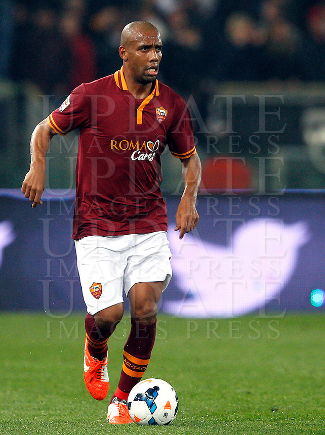 Calcio, Serie A: Roma vs Torino. Roma, stadio Olimpico, 25 marzo 2014.<br /> AS Roma defender Maicon, of Brazil, in action during the Italian Serie A football match between AS Roma and Torino at Rome's Olympic stadium, 25 March 2014.<br /> UPDATE IMAGES PRESS/Riccardo De Luca