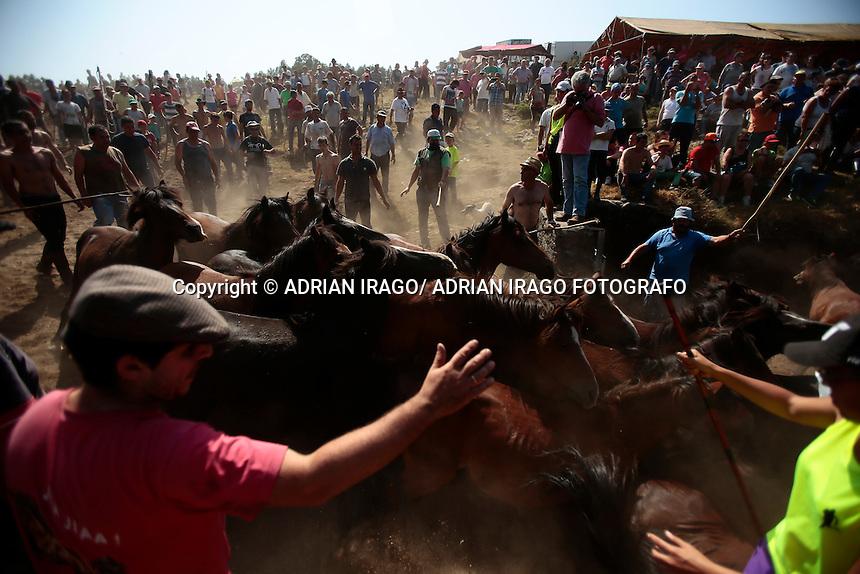 CURRO TARROÑA, OIA. Segundo curro de la temporada en Oia, el curro de Tarroña