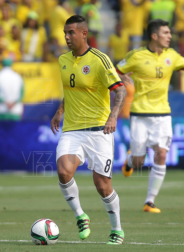 BARRANQUILLA - COLOMBIA -29-03-2016: Edwin Cardona jugador de Colombia en acción durante el encuetnro con Ecuador de la fecha 6 para la clasificación a la Copa Mundial de la FIFA Rusia 2018 jugado en el estadio Metropolitano Roberto Melendez en Barranquilla./  Edwin Cardona  player of Colombia in action during a match against Ecuador of the date 6 for the qualifier to FIFA World Cup Russia 2018 played at Metropolitan stadium Roberto Melendez in Barranquilla. Photo: VizzorImage / Ivan Valencia / Cont