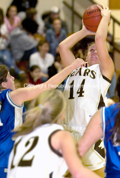 THOMASTON, CT - 07 DECEMBER 2005 -120705J03---Thomaston's Jamie Romano puts up a shot during their Berkshire League season opener against Litchfield Wednesday at Thomaston High School. Thomaston defeated Litchfield 54-33.  --  Jim Shannon Republican-American--Thomaston; Litchfield;  Jamie Romano are CQ