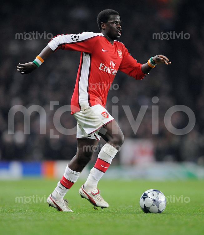 Fussball   International    Champions League   Saison 2008/2009    25.02.2009 FC Arsenal London  -  AS Rom Emmanuel Eboue (Arsenal) am Ball