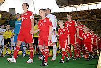 FUSSBALL      DFB POKAL FINALE       SAISON 2011/2012 Borussia Dortmund - FC Bayern Muenchen   12.05.2012 Philipp Lahm,  Torwart Manuel Neuer, Holger Badstuber und Luiz Gustavo (v.l. alle FC Bayern Muenchen)