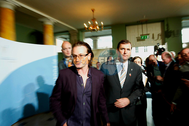 INFORMAL MEETING OF EU DEVELOPMENT MINISTERS 31ST MAY - 1ST JUNE AT DUBLIN CASTLE, IRELAND            .IRISH MINISTER FOR DEVELOPMENT COOPERATION AND HUMAN RIGHTS TOM KITT TD (R) WITH BONO OF U2 ARRIVING FOR A WORKING LUNCH WITH THE EU MEMBER STATES EU DEVELOPMENT MINISTERS IN DUBLIN CASTLE 1/6/04..AFP PHOTO/NEWSFILE/MAXWELLS..This Picture has been sent to you by Newsfile Ltd..The Studio,.Millmount Abbey,.Drogheda,.Co. Meath,.Ireland..Tel: +353(0)41-9871240.Fax: +353(0)41-9871260.ISDN: +353(0)41-9871010.www.newsfile.ie..general email: pictures@newsfile.ie