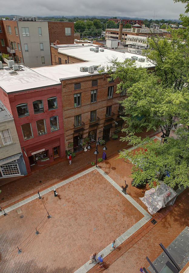 A view of the walking mall known as the downtown mall in Charlottesville, Va. Photo/Andrew Shurtleff