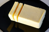 Burro. Butter.