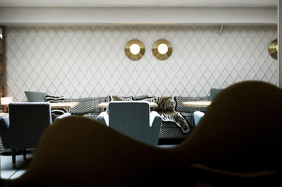 piege restaurant antoine doyen. Black Bedroom Furniture Sets. Home Design Ideas