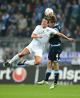 Fussball 2. Bundesliga:  Saison   2012/2013,    10. Spieltag  TSV 1860 Muenchen - FC Erzgebirge Aue  22.10.2012 Marc Hensel (li, FC Erzgebirge Aue) gegen Kai Buelow ( 1860 Muenchen)