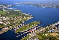 Kanalschleuse Kiell: EUROPA, DEUTSCHLAND, SCHLESWIG- HOLSTEIN,  (GERMANY), 25.04.2007: Kanalschleuse Kiel, noerdliches Ende des Nord-Ostsee-Kanal (NOK), internationaler Name Kiel-Canal, wurde zwischen 1887-1895 gebaut (Erweiterung 1907-14) und ist fast 100 km lang. Der NOK ist eine Bundeswasserstrasse und der meistbefahrene Kanal der Welt.