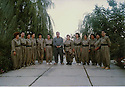 Iraq 1996.In Qala Tchwalan,first meeting of women  with Jalal Talabani to make a unit of women pehmergas. First left, Dilpak Tahir.Irak 1996.A Qala Tchwalan, rencontre de Jalal Talabani avec des femmes demandant de former une unite de femmes pesshmergas. 1ere a gauche, Dilpak Tahir