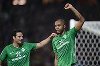 FUSSBALL   1. BUNDESLIGA  SAISON 2011/2012  30. SPIELTAG 10.04.2012 SV Werder Bremen - Borussia Moenchengladbach  JUBEL Werder Bremen; Torschuetze zum 2-2 Ausgleich Naldo (re) und Claudio Pizarro