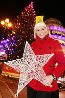 """NO REPRO FEE. 17/12/2010. Focus Ireland festive lights.  Pamela Flood switched on the lights on the Christmas Tree at Grafton St. this evening (Fri Dec 17th) for the Focus Ireland """"Sponsor a Star"""" campaign. EUR250,000 has been raised by businesses sponsoring a star on the landmark tree which is dedicated to people who are homeless. Picture James Horan/Collins Photos"""