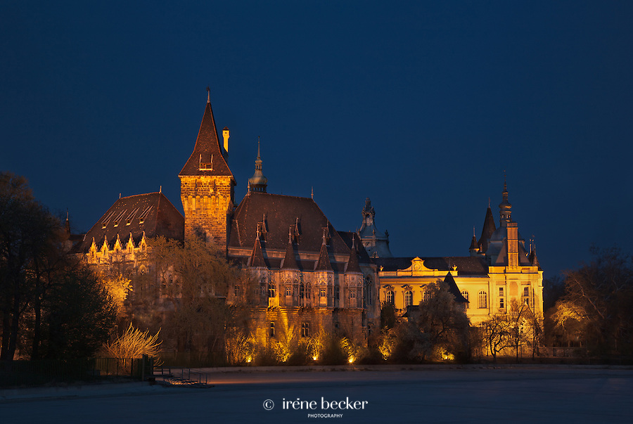The vajdahunyad Castle is a castle in City Park, Budapest, Hungary, that was built between 1896 and 1908, designed by Ignác Alpár..It is a copy in part of a castle in Transylvania, Romania, that is also called Vajdahunyad, though it is also a display of different architectural styles: Romanic, Gothic, Renaissance and Baroque.