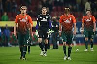 FUSSBALL   1. BUNDESLIGA  SAISON 2012/2013   7. Spieltag FC Augsburg - Werder Bremen          05.10.2012 Nils Petersen, Torwart Sebastian Mielitz (v. li., SV Werder Bremen)